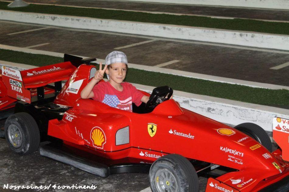 Préparation pour le Junior Grand Prix, Ferrari World Abu Dhabi - 2013