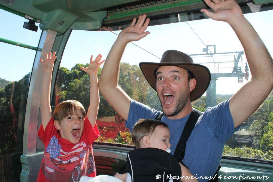 Dans le Skyrail menant à Kuranda, en Australie
