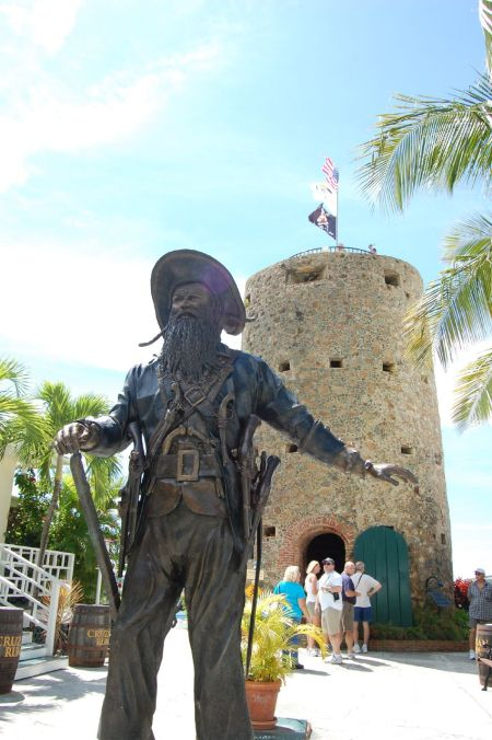 Blackbeard's Castle - Photo de Moresheth — Flickr: Blackbeard's Castle. Sous licence CC BY 2.0 via Wikimedia Commons - https://commons.wikimedia.org/wiki/File:Blackbeard%27s_Castle.jpg#/media/File:Blackbeard%27s_Castle.jpg