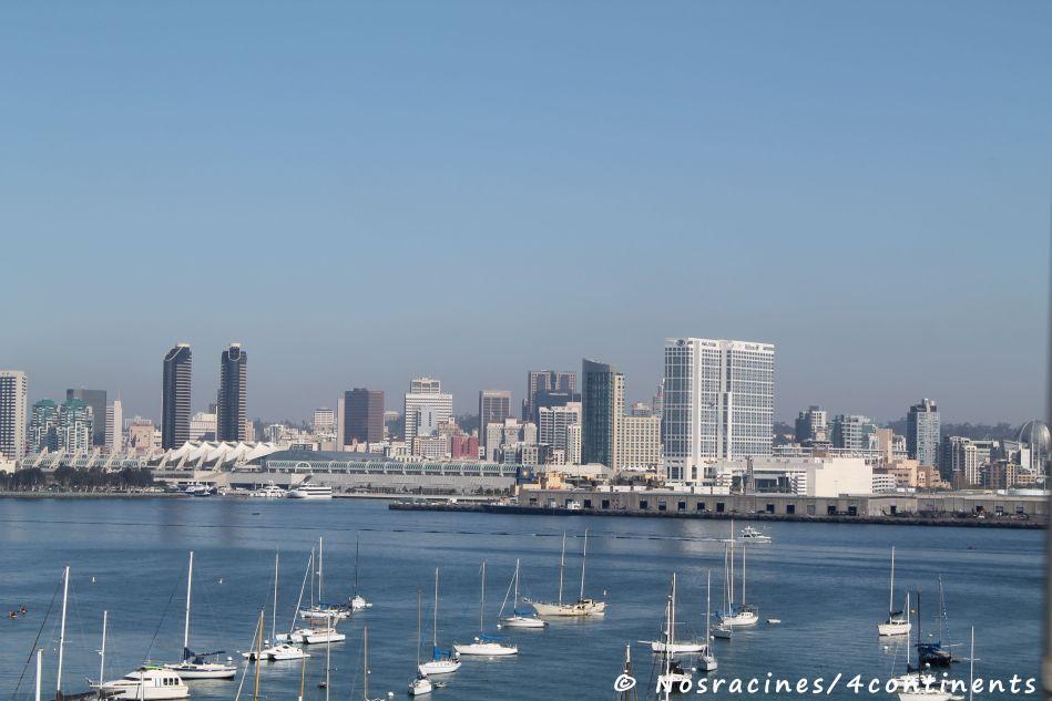 Vue sur San Diego, du haut du Coronado Bay Bridge (en passant à vive allure!)