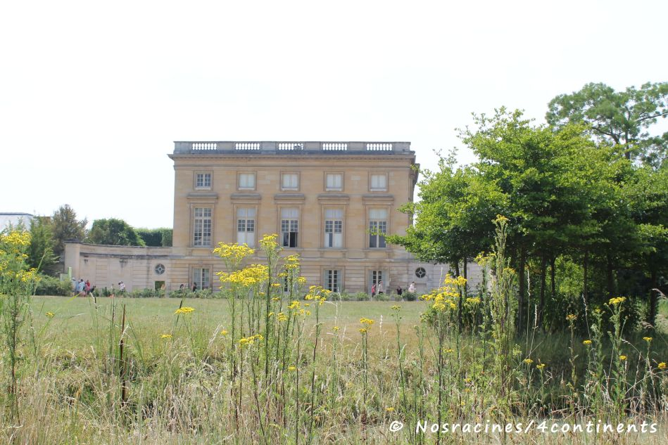 Le Petit Trianon, Château de Versailles... Bien évaluer la file d'attente avant d'envisager le petit train