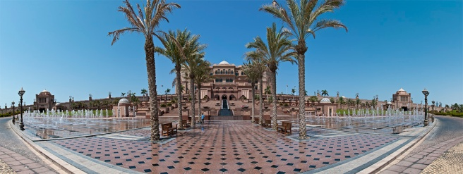 Emirates Palace. Crédit photo : Román Emin - https://creativecommons.org/licenses/by/2.0