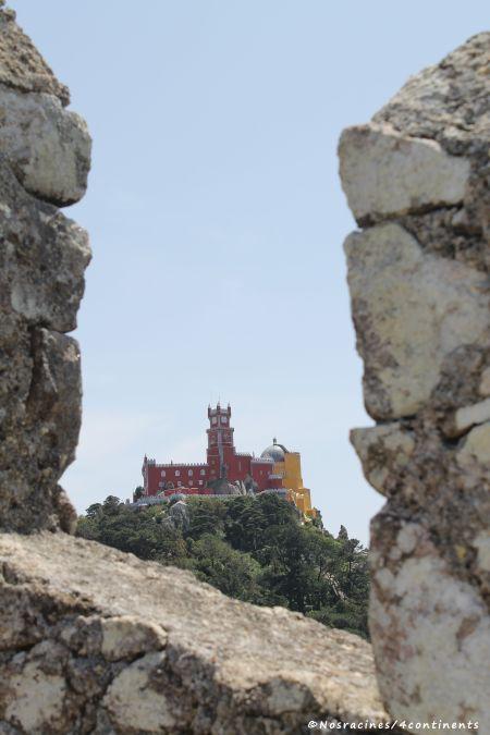 La vue sur le château de Pena, du château des Maures