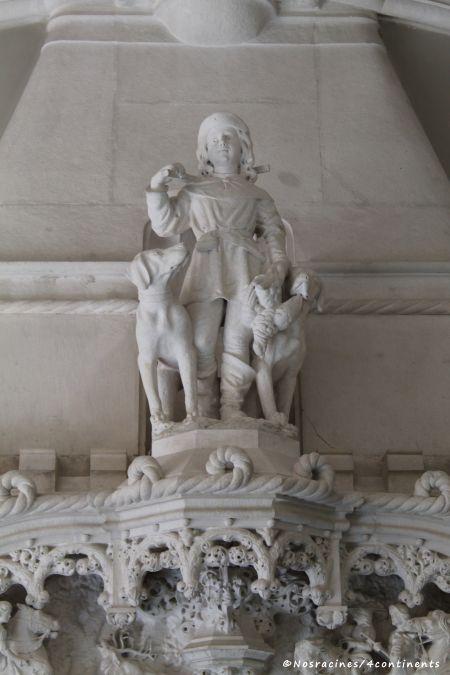 La statue qui orne la cheminée de la salle à manger, Quinta da Regaleira
