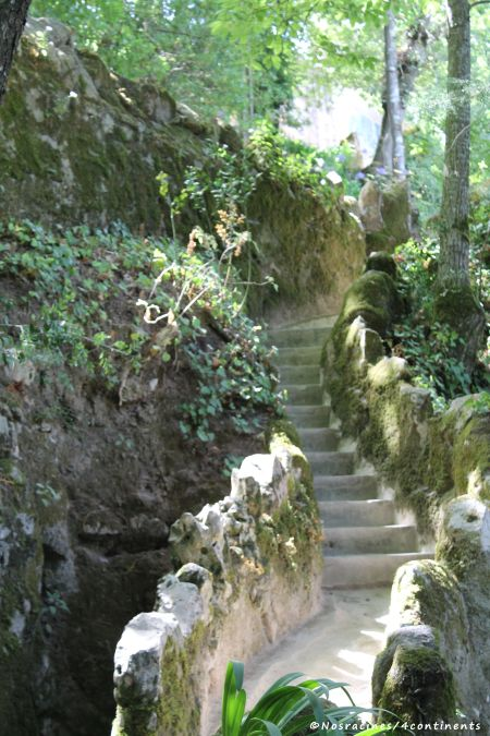 Des escaliers qui débouchent sur des lieux plein de surprises, Quinta da Regaleira