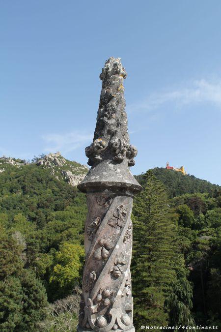 La vue sur deux châteaux célèbres de Sintra : le château des Maures et le Palais de Pena