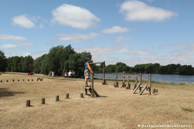 Pique-nique et jeux au bord de la Loire