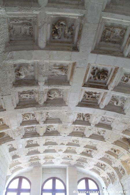 Les sculptures des voûtes des grandes salles du deuxième étage
