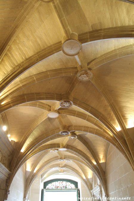 Les voûtes d'ogives du vestibule