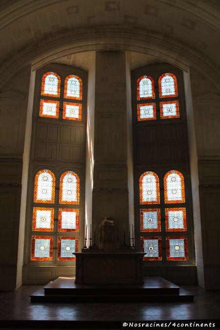 La Chapelle qui conserve l'emblème des trois rois ayant participé à sa construction