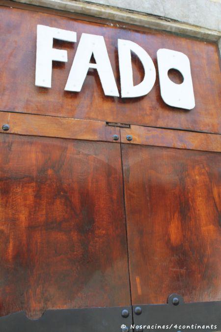 La porte close d'un club de fado, dans le quartier Bairro-Alto
