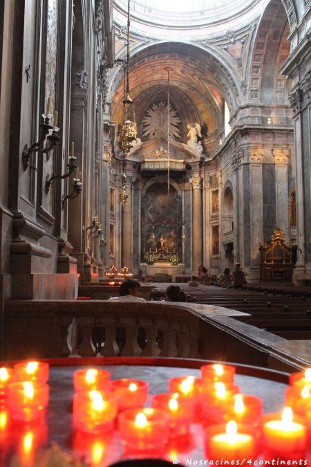 L'intérieur silencieux de la Basílica da Estrela
