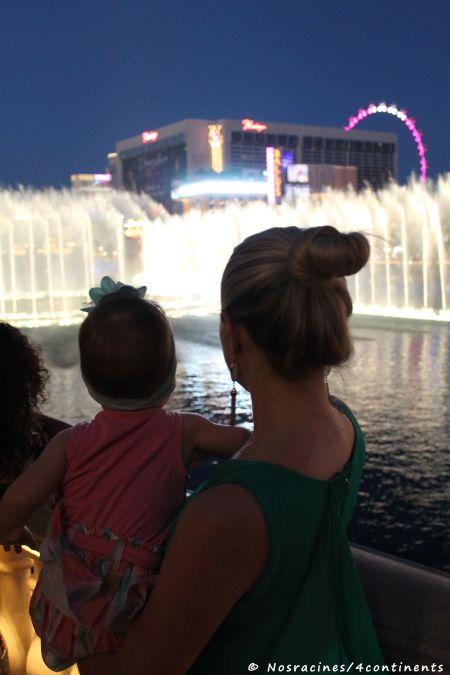 Devant le spectacle des fontaines du Bellagio