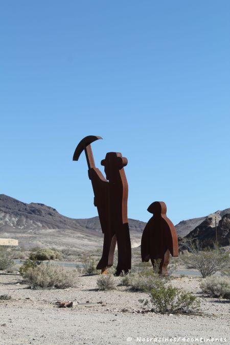 La silhouette d'un pionnier... et d'un pingouin, Musée Goldwell