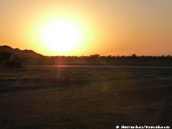 Un magnifique coucher de soleil sur le chemin du retour vers Dubaï