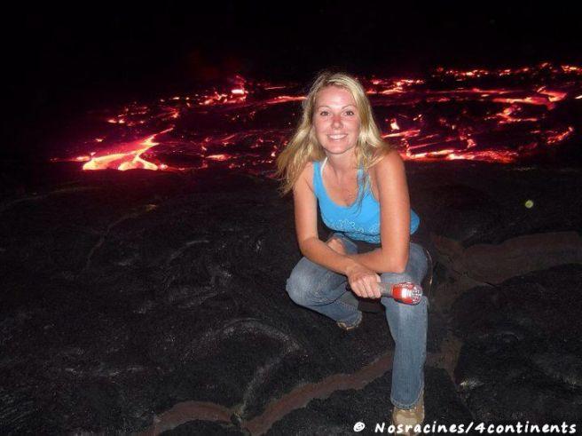 Devant la coulée de lave, complètement hypnotisée, Big Island