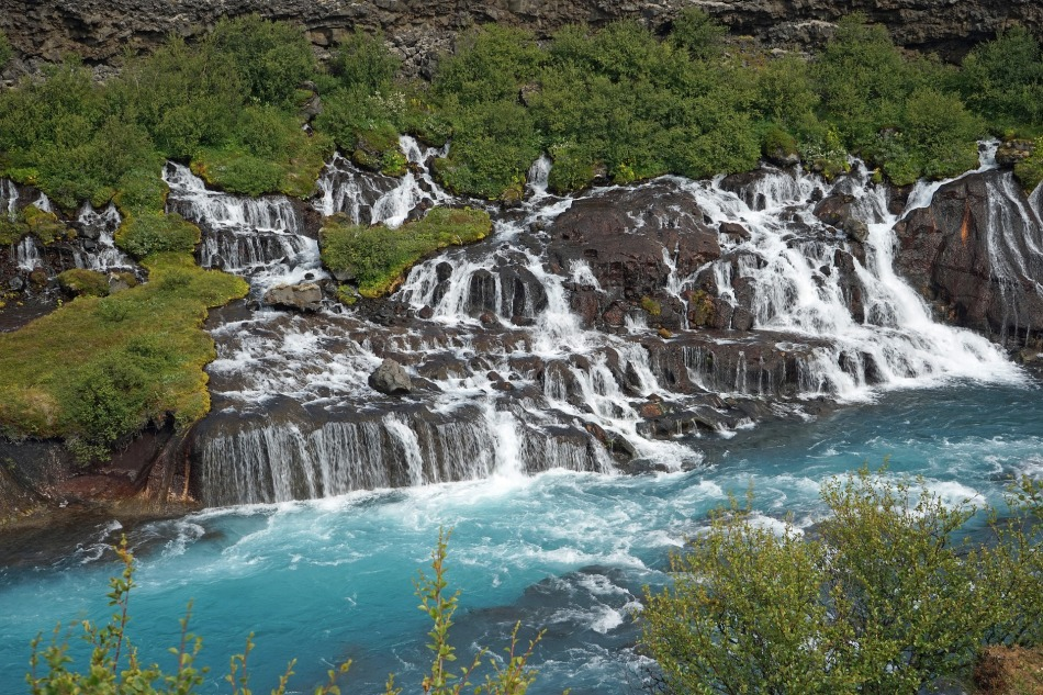 waterfall-889693_1920
