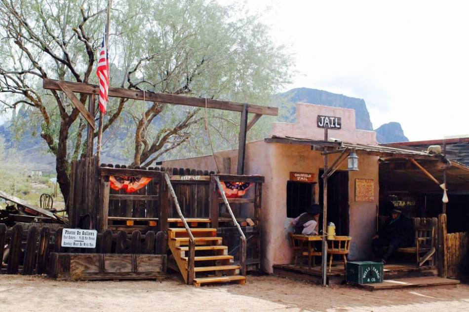 Goldfield_Ghost_Town_3